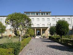 Casa religiosa VILLA REDEMPTORIS MATER a Loreto (Suore di Gesù Redentore)