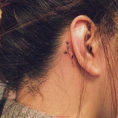Kulak Arkası Dövmesi
