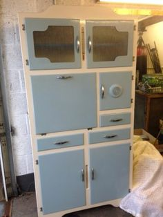 vintage kitchen cabinet   MY GRANDMOTHER HAD THIS SAME CABINET BUT IN YELLOW AND WHITE...REMINDS ME OF THE GOOD OLD DAYS   <3  IT  :)