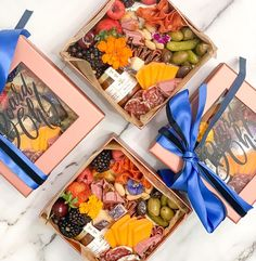 Charcuterie Recipes, Charcuterie And Cheese Board, Cheese Platters, Food Platters, Mini Party Appetizers, Grazing Food, Food Business Ideas, Wine Cheese, Special People