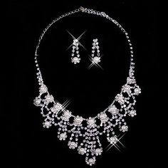 Rhinestone Chandelier Necklace And Earring Set
