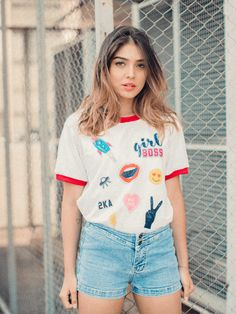 T-shirt Girl Boss Patches Patch Tshirt, Tank Top Shirt, T Shirt, Retro Shirts, Retro Look, Girl Boss, Shirts For Girls, Cool Style, Ideias Fashion