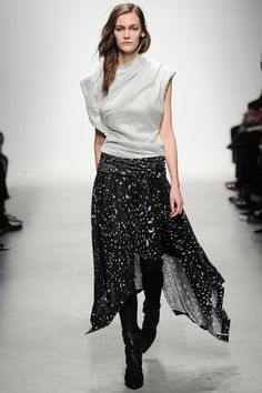 Leonard Fall 2014 Ready-to-Wear Collection Slideshow on Style.com