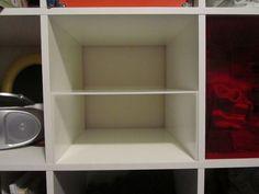 Also hardware IKEA expedit. Dividing a cube in half. Creating an extra shelf. Cube Shelves, Cube Storage, Storage Shelves, Ikea Expedit Shelf, Kallax Shelving, Kallax Hack, Ikea Kallax, Small Space Interior Design, Interior Design Living Room