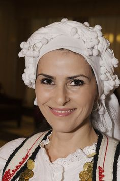 A Greek Beauty waiting to perform dressed in her traditional costume from Phokis. Beautiful Smile, Beautiful People, Beautiful Women, Amazing People, Greek Traditional Dress, Traditional Outfits, Greek Beauty, Greek Culture, Beauty Around The World