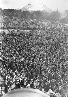 Anzac Day in the Domain, Sydney, 25 April 1930 / Sam Hood | by State Library of New South Wales collection