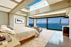 La suite principale de cette résidence de standing offrant une vue imprenable sur l'océan