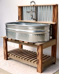 34 Elegant Garden Sink Design Ideas That Must Have To Outdoors - Sinks are often used as a container for plants, especially for alpines or rock plants. Sinks are mostly used at patios and give them attractive featur. Outdoor Sinks, Diy Outdoor Kitchen, Outdoor Garden Sink, Rustic Outdoor Kitchens, Bohemian Style Home, Dog Washing Station, Rustic Furniture, Diy Outdoor Furniture, Garden Furniture