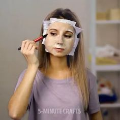 Beauty Hacks with Toilet Paper - Fitness workouts - Beleza Beauty Care, Beauty Skin, Hair Beauty, Beauty Makeup, Simple Life Hacks, Useful Life Hacks, Amazing Life Hacks, Natural Beauty Tips, Health And Beauty Tips