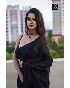 Kerala Saree, South Indian Sarees, Beautiful Little Girls, Beautiful Gorgeous, Insta Models, Instagram Models, Black Saree, Sexy Wife, Traditional Sarees