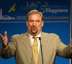 Main Calvary Chapel Adds Rick Warren's Daniel Plan to Bookstore