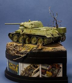 Dioramas and Vignettes: Symbol of the Victory, photo T 34, Diorama Ideas, Model Tanks, Military Diorama, Display Design, Plastic Models, Scale Models, Vignettes, Victorious