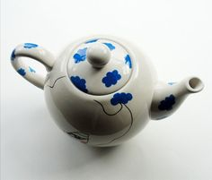 GERSHWIN Vintage handpainted Teapot by bettyraspberry on Etsy, $60.00
