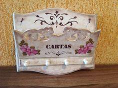 porta carta-chave em mdf. www.ideiasartesanato.com.br                                                                                                                                                     Mais