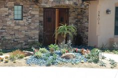 Andrews Residence by AAA Landscape Specialists, Inc.  760-295-1980 traditional landscape
