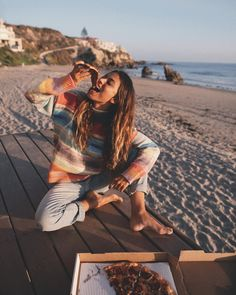 probably one of my favorite things to do during the holiday season, snugging in comfy sweaters and eating pizza at the beach with good friends. Bonus point, you usually get the beach all to yourself 😛 Beach Shoot, Beach Trip, Pizza Girls, Beach Sweater, Beach Friends, Trendy Swimwear, High Cut Bikini, Bikini Beach, Bikini Swimwear