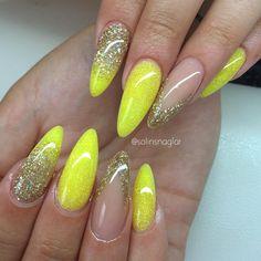 Gul och guld glitterkombo