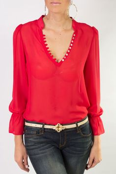 Blusa de chiffon de manga larga en color rojo, cuello v y que combina perfe Mode Glamour, Casual Outfits, Cute Outfits, Western Tops, My Style, Womens Fashion, How To Wear, Clothes, Google