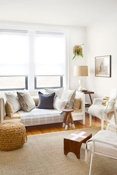 30 Ways To Decorate Your Living Room With White