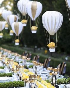 Playful and chic, this work by @melissaandreinc surely made our hearts skip a beat. We are taken aback by those adorable hanging air balloons ornament that adds a pop of statement to the whole decor for its peculiarly lively touch! What an ultimate inspo for your outdoor wedding! Do you agree with us? Give us love if you do! Event Planner & Designer @melissaandreinc / Photographer @5ive15ifteen