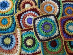 Circle of Friends square, free pattern by Priscilla Hewitt, a classic & hugely popular pattern.  Pic is from Ravelry Project gallery for this one.  . . . .   ღTrish W ~ http://www.pinterest.com/trishw/  . . . .    #crochet #square #motif