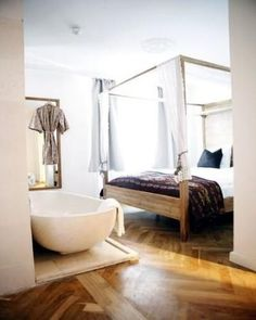Copenhagen - AXEL Hotel Guldsmeden: homey rooms, not for those looking for peace and quiet