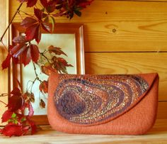 Felted bag, in peacock colors