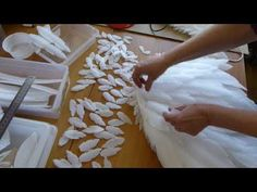 Angel Wings for Costume – feather crafts Angel Wings Costume, Diy Angel Wings, Cosplay Wings, Diy Wings, Diy Flowers, Paper Flowers, How To Make Wings, Diy Angels, Angel Crafts