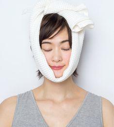 幸せ筋アップ&不幸筋膜はがし/不幸筋膜はがし②おでこやデコルテもケア!   OurAge - 集英社の雑誌MyAgeのオンラインメディア   2 Massage, Hair Beauty, Health, Face, Health Care, The Face, Faces, Cute Hair, Salud