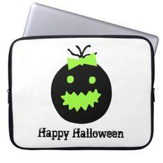 Cute Halloween pumpkin with bow Laptop Sleeve - Halloween happyhalloween festival party holiday
