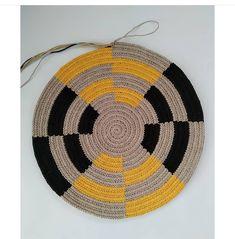 Tapestry, Tabata, Folk, Instagram, Crochet Carpet, Groomsmen, Crochet Bag Patterns, Crochet Motif, Crochet Tote