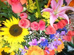 Flores Coloridas para Cumpleaños Visita: colorfloresfloristeria.blogspot.com
