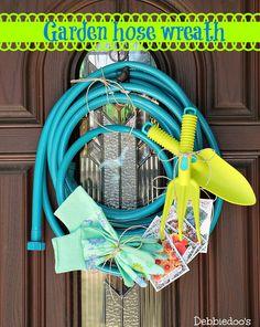 How to make your own garden hose wreath - Debbiedoos