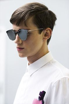 d1960935e575 leauxnoir: justdropithere: Yulian Antukh - Backstage at Dior Homme, Spring/Summer  2015 I want these glasses so bad