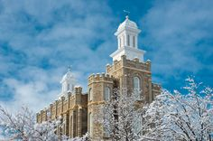 Logan Utah Temple in winter. Logan is so pretty after a snow! #lds #mormontemple