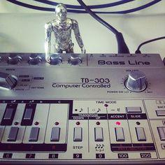 Roland TB-303 + C3PO