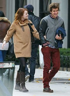 emma stone & andrew garfield from the Amazing Spiderman Cutest Couple Ever, Best Couple, Pretty People, Beautiful People, Emma Stone Andrew Garfield, Emma Stone Style, Non Plus Ultra, Amazing Spiderman, Perfect Couple