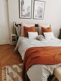 Egyptian cotton Dulux, rust accessories, striped b Room Ideas Bedroom, Home Decor Bedroom, Bedding Decor, Bedroom Apartment, Apartment Living, Dream Rooms, Dream Bedroom, My New Room, House Rooms