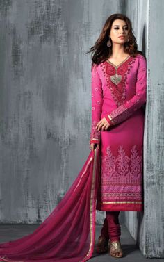 PINK GEORGETTE EMBROIDRED SALWAR KAMEEZ - SLF 9668