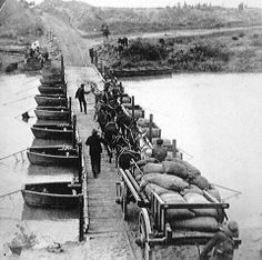 Pontoon Bridge built by the Royal Engineers in two hours across the Modder River Old Pictures, Old Photos, Royal Engineers, The Settlers, Lest We Forget, My Land, African History, Our World, South Africa