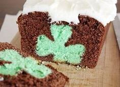 Surprise! Minty, chocolaty, shamrock reveal-y bliss in cake form.