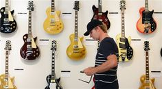 Les Paul guitars, items fetch 5 million dollars at auction (Kevork Djansezian / Getty Images) 5 Million Dollars, Les Paul Guitars, Latest Video, Musical Instruments, My Music, Musicals, Oc, Auction, Entertaining