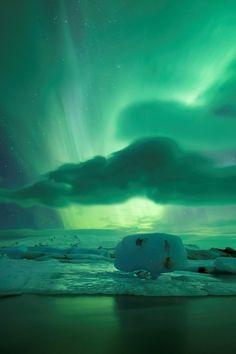 0rient-express:  Lagoon Aurora| byPhilip Eaglesfield.
