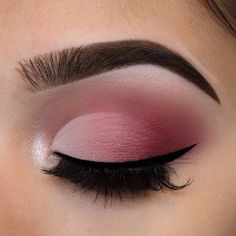 Simple eyeshadow with liner