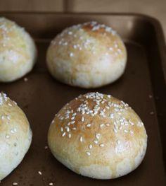 Moroccan brioches Arabic Bread, Bread Head, Yummy Recipes, Yummy Food, Brioche Recipe, Our Daily Bread, Dinner Sides, Middle Eastern Recipes, Dinner Rolls