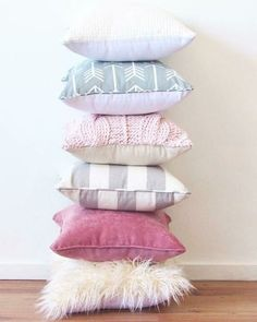 Throw pillows to decorate your home decor.