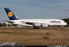Lufthansa Airbus A380-841