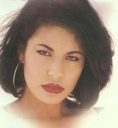 Welcome lovely 💕💖 fans! We are here to spread the love, beauty and legacy of our queen 👑 SELENA! Have a wonderful and Happy Saturday. Selena Quintanilla Perez, Beautiful Person, Beautiful Soul, Selena And Chris, Selena Selena, Divas, Selena Pictures, Duchess Kate, Grace Kelly