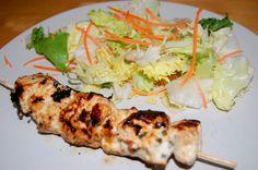Soulavakia de Pollo ( Brocheta de pollo marinada con Yogurt, Menta y Limón)