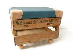 Sitzhocker Upcycling aus einer alten Weinkiste / upcycling stool, wooden wine case by zwischenPol via DaWanda.com